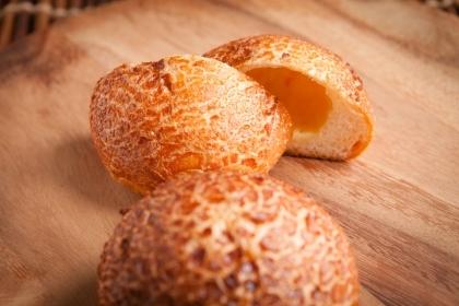 チーズとバターの塩パン